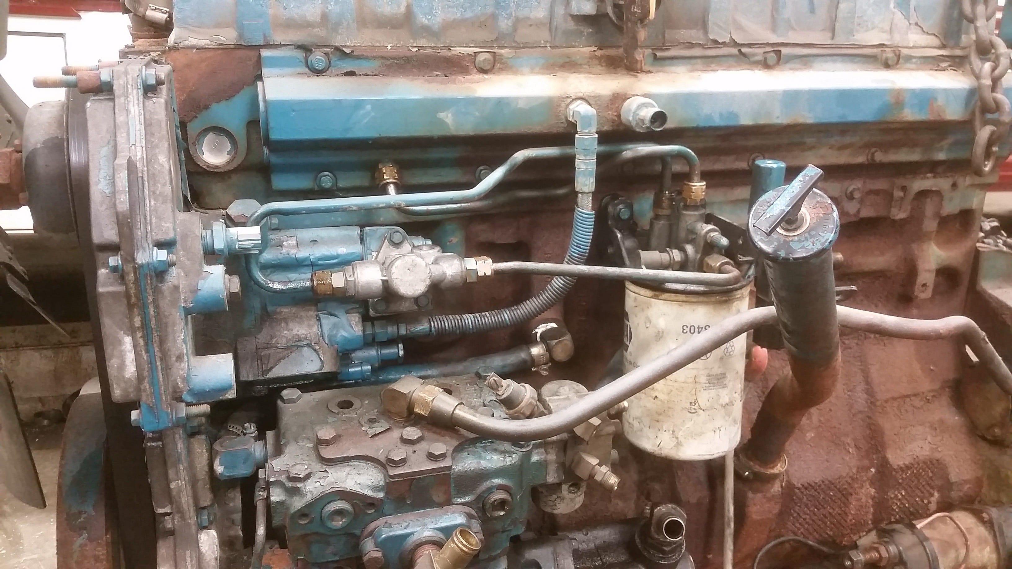 DT466 Fuel Lines